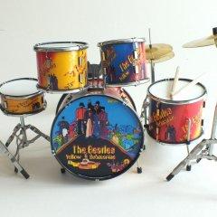 RGM356-Beatles-Yellow-Submarine-Miniature-drumkit