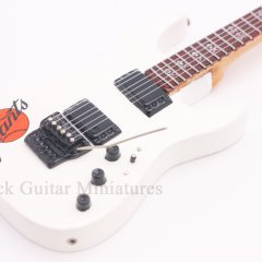 RGM62 Kirk Hammett METALLICA ESP Giants white (2)