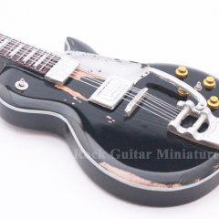 RGM640 Neil Young Old Black (2)